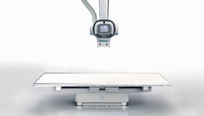 高齢患者さん向けに臥位テーブルの高さとデザインを改定