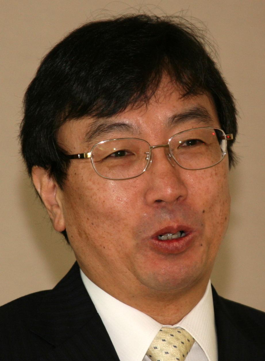 山本章雄氏